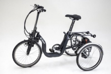 Triciclo pieghevole a motore per disabili e anziani a pedalata assistita