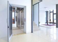 Miniascensori domestici personalizzabili Vimec: i modelli EcoVimec (ascensore elettrico) ed Easy Move (ascensore idraulico)