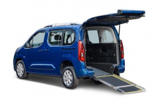 Trasporto disabili. Allestimento su Citroen Berlingo con piano ribassato Orion Promobility per passeggeri in carrozzina