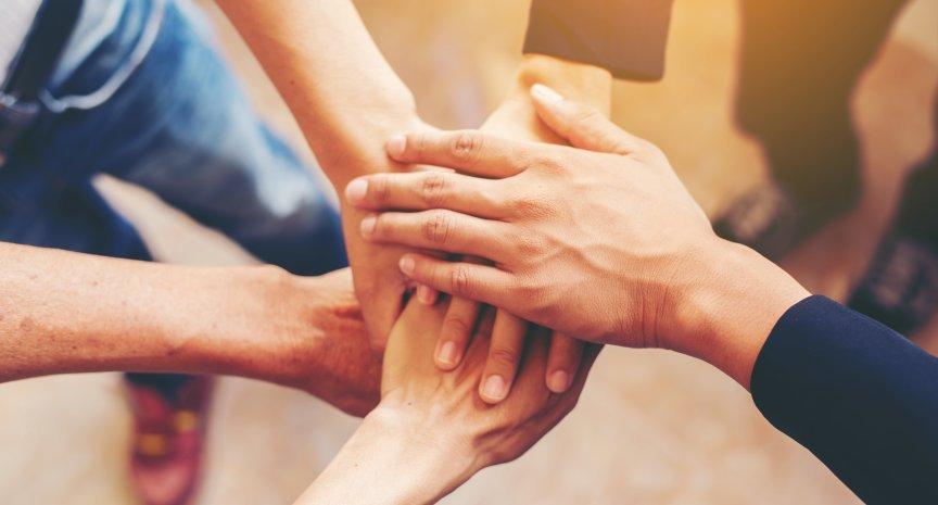 tenere le mani in incontriSRP collegare