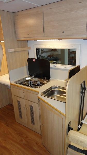 Camper accessibili per vacanze in liberta 39 - Furgone attrezzato con cucina ...
