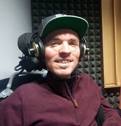 In radio Deejay Mike ci racconta col sorriso le vicissitudini della ... 1dcbc994e353