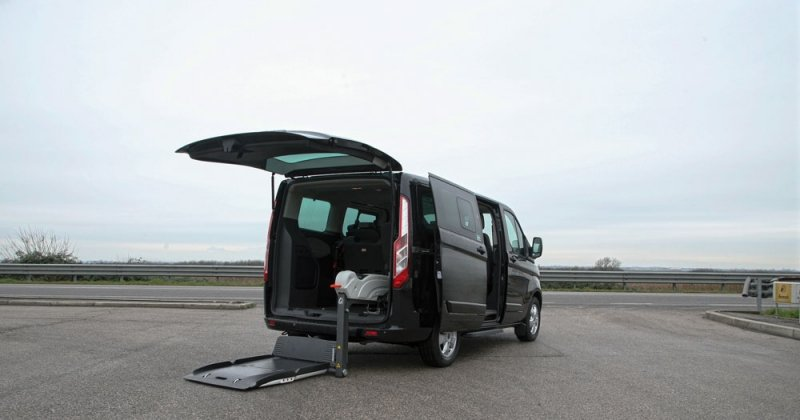 Ford Tourneo Custom Porta Laterale