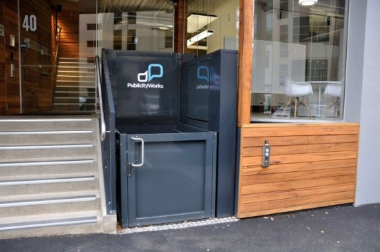 Opal il mini ascensore a vano aperto da esterni e interni per carrozzine disabili e anziani - Quanto costa un ascensore esterno ...
