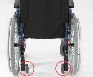 Sedie A Rotelle Pieghevoli Leggere : Carrozzina pieghevole standard accessoriata di ruotine per