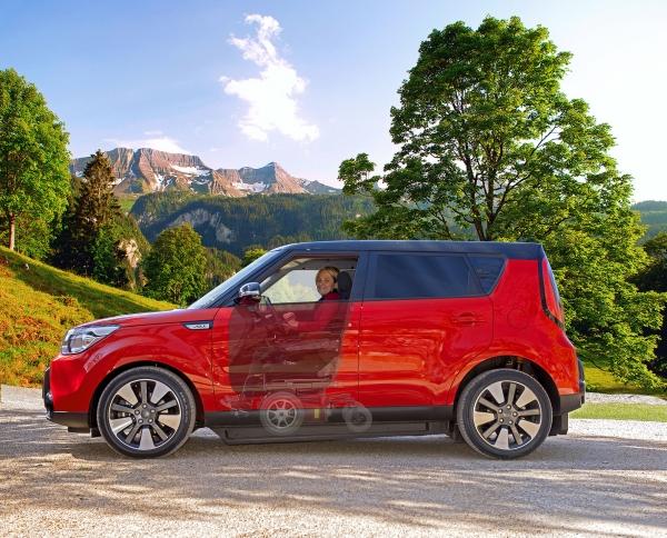 nuova kivi soul emotion l 39 auto che si guida in carrozzina. Black Bedroom Furniture Sets. Home Design Ideas