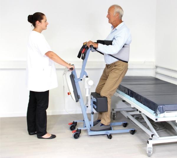 Verticalizzatore elettrico per disabili blu wayup - Letto elettrico per disabili usato ...