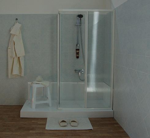 Mobilita 39 in casa trasformare la vasca in doccia - Trasformare vasca da bagno in doccia ...