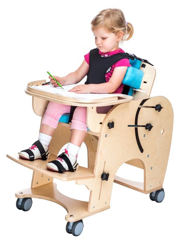 Tavolo regolabile per carrozzina e sedia posturale per bambini con disabilit - Sedie per portatori di handicap ...