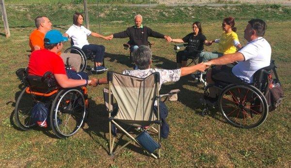 cerchio yoga disabili