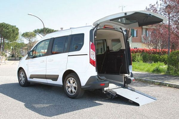 Ford Tourneo Connect per disabili