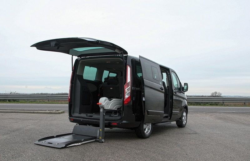 Ford Tourneo Custom Trasporto Disabili