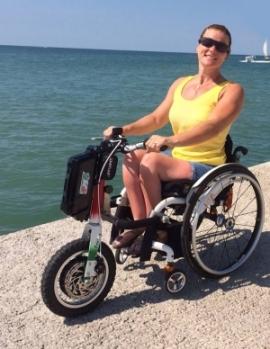 Triride la liberta 39 di tutti i terreni a bordo della for Fisico sedia a rotelle