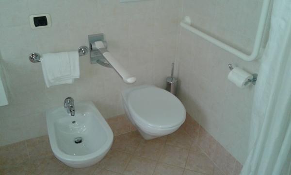 Belluno dolomiti albergo camoscio - Posizione sanitari bagno ...