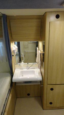 Allestimenti camper per disabili - Lavandino bagno camper ...