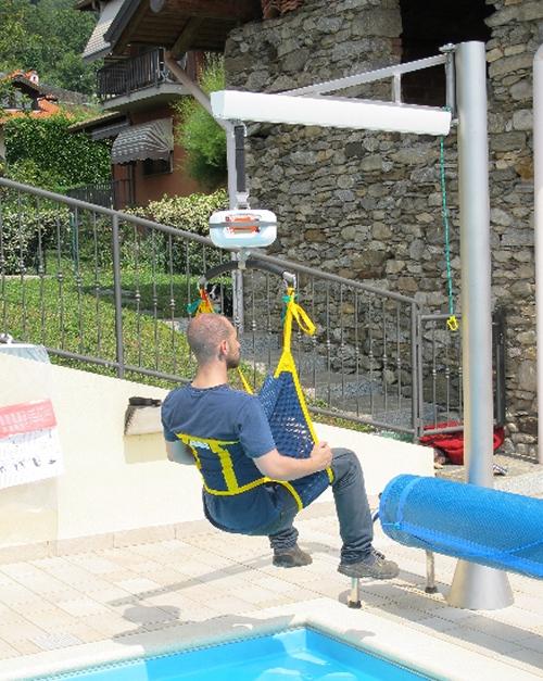 Il sollevatore a bandiera leonardo - Sollevatore piscina per disabili ...