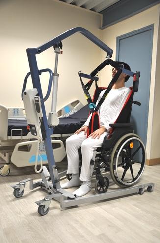 Flyever il sollevatore mobile richiudibile per disabili - Sollevatore letto ...