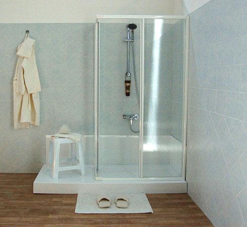 Trasformazione della vasca in doccia in una sola giornata - Da vasca da bagno a doccia ...