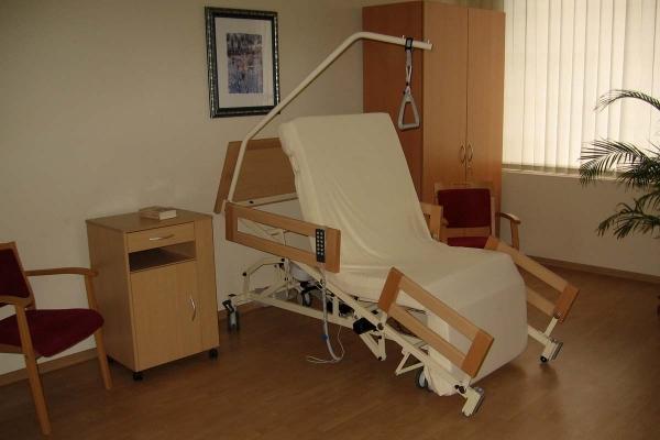 Bemax il letto motorizzato che si trasforma in poltrona - Poltrona che diventa letto ...