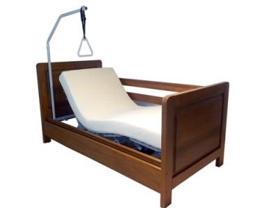 Letto per disabili con barre di protezione anticaduta a scomparsa - Amici di letto chat ...