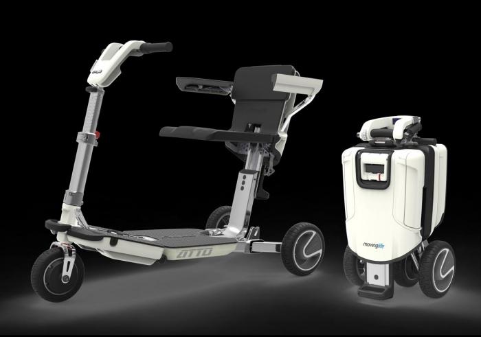 IAusili in viaggio: Atto, lo scooter pieghevole per disabili e anziani che diventa un trolley