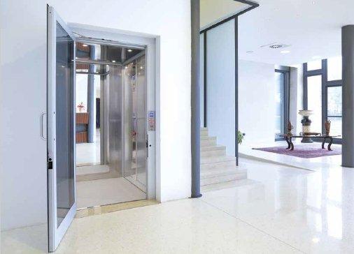 IMiniascensori domestici personalizzabili Vimec: i modelli EcoVimec (ascensore elettrico) ed Easy Move (ascensore idraulico)