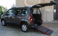 IAllestimento per il trasporto di carrozzine di grandi dimensioni Peugeot Partner Tepee Horizon di Handytech