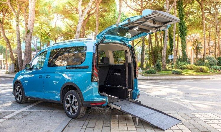 ITourneo Connect, l'allestimento Ford per il trasporto del passeggero in carrozzina