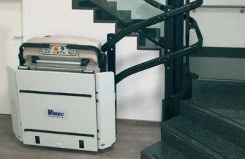 IMontascale Vimec V64 da interni/esterni per utenti disabili in carrozzina ideale per case, negozi e condomini