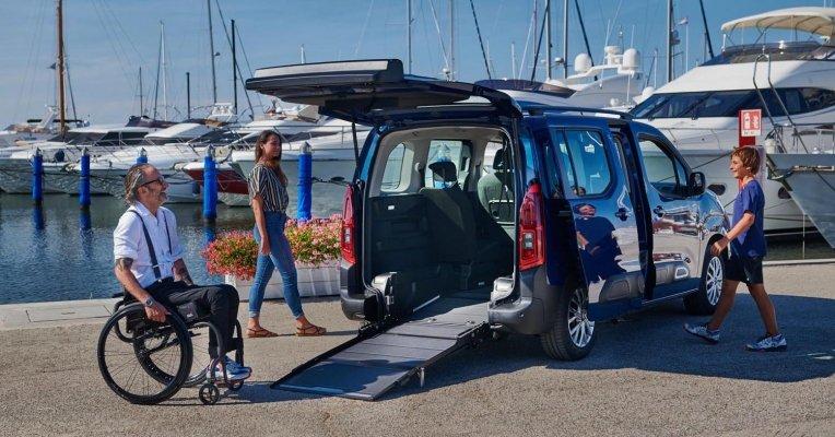 ICitroen Berlingo F-Style per persone in carrozzina. L'auto bella da vivere, comoda e sicura, con allestimento Focaccia Group